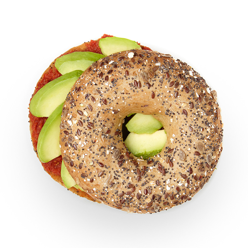 Avocado & goji berry chutney bagel